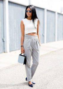 calça cintura alta e cropped básico